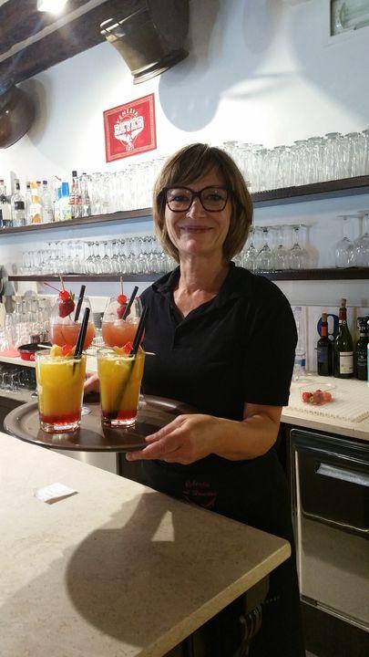 E finalmente la nostra super banconiera Stefania Nadal e i suoi cocktails!